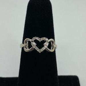 10k White gold sweetheart ring